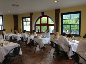 """Frühstück im Restaurant """"Oben Drauf"""" in der Rogner Therme in Bad Blumau"""
